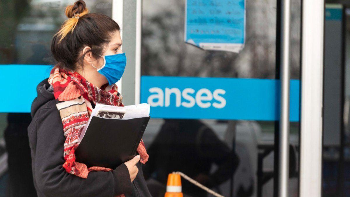 IFE 4 AUH: las novedades sobre los dos programas de ANSES
