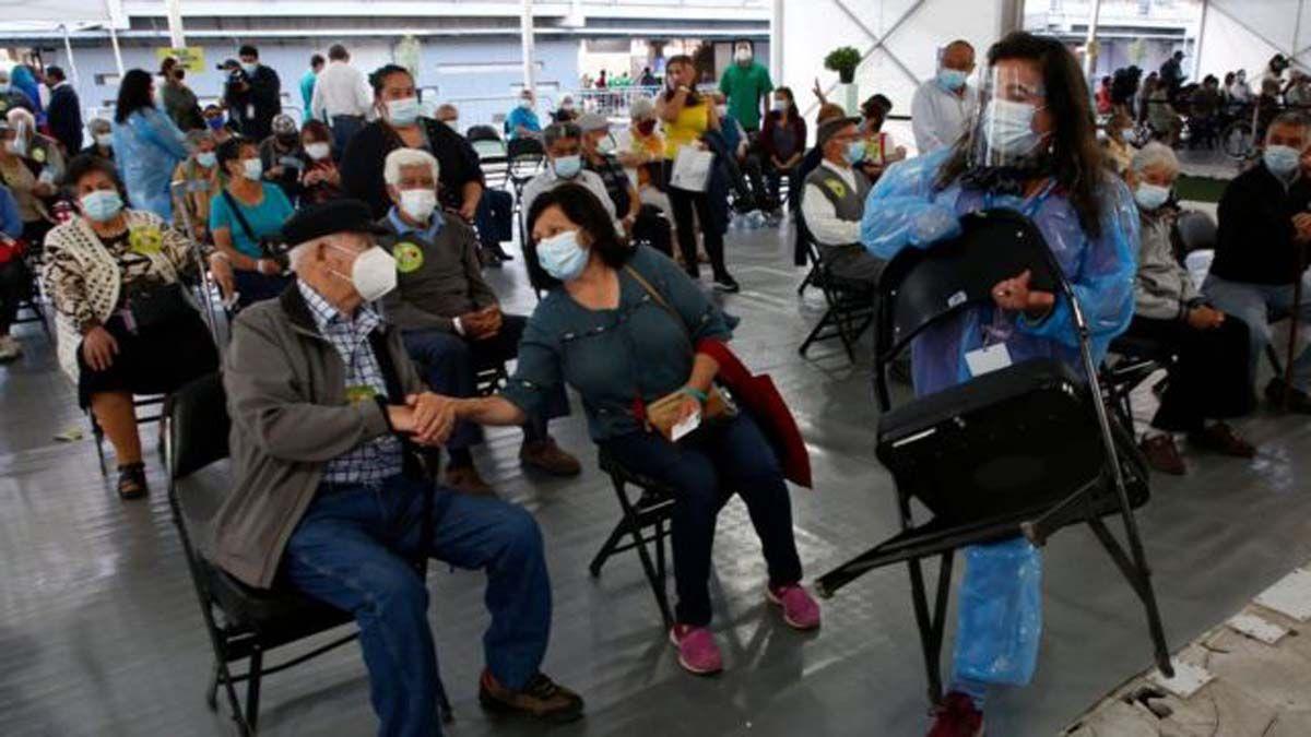 La vacunación en Chile ya alcanzó a más de 4.200.000 personas