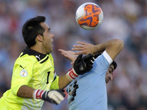 Chile recibe a Uruguay en un partido vital por la clasificación