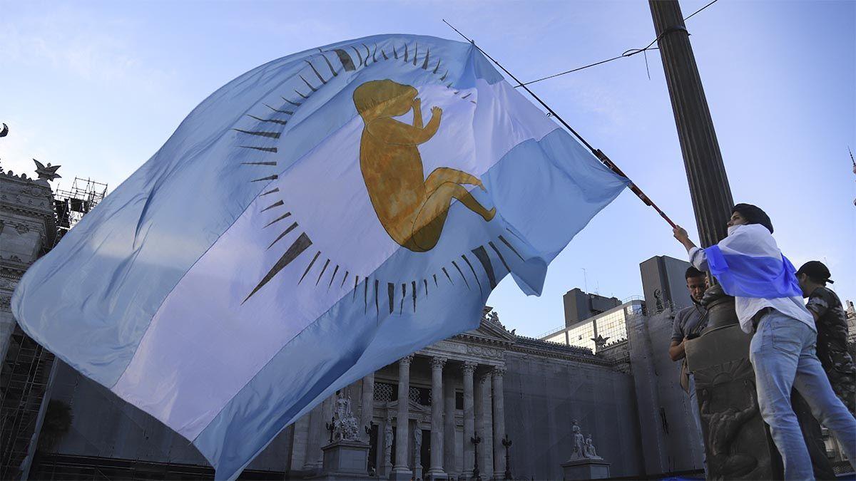 El aborto legal obtuvo media sanción de la cámara de Diputados