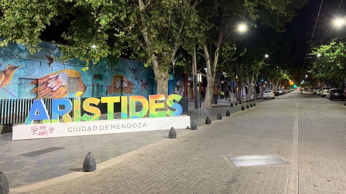 Cuatro bares y restaurantes de la avenida Arístides Villanueva fueron multados.