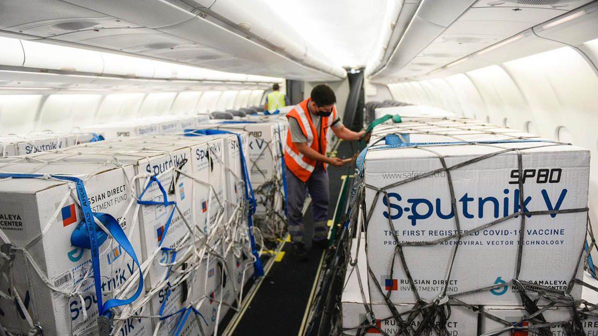 El cargamento de dosis de la vacuna rusa Sputnik V llegaría este domingo al país.
