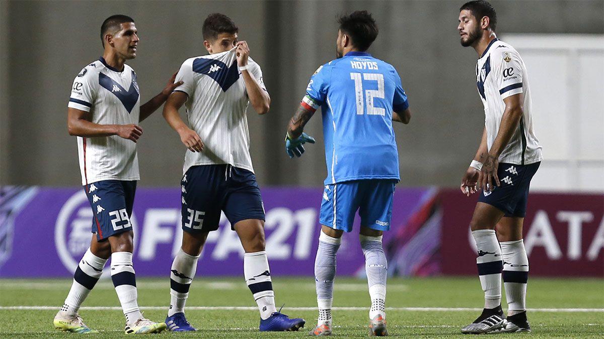 Vélez le ganó a La Calera y sigue con chances en la Copa
