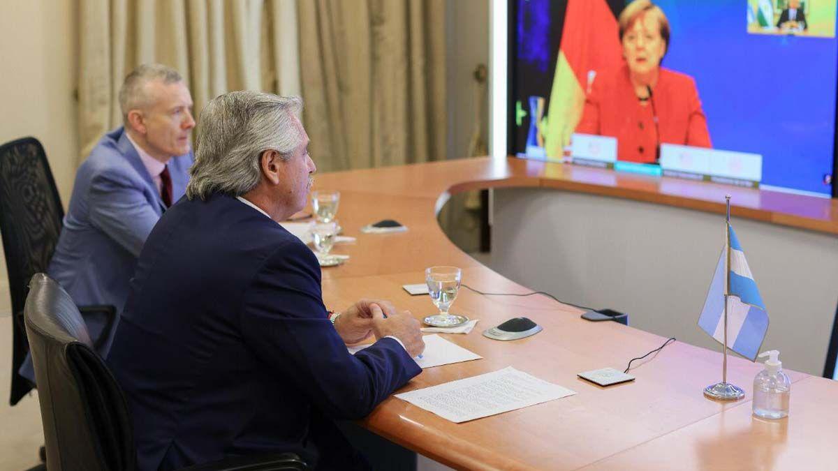 Merkel prometió apoyo a Argentina ante el FMI y el Club de París