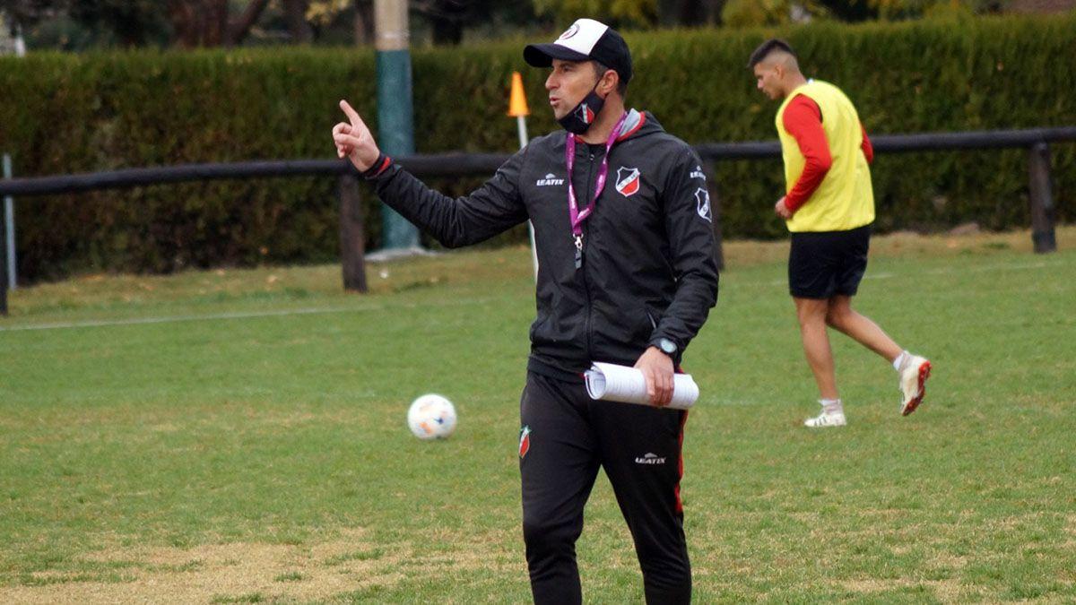 El entrenador Luciano Theiler volvió a tener contacto con sus jugadores.