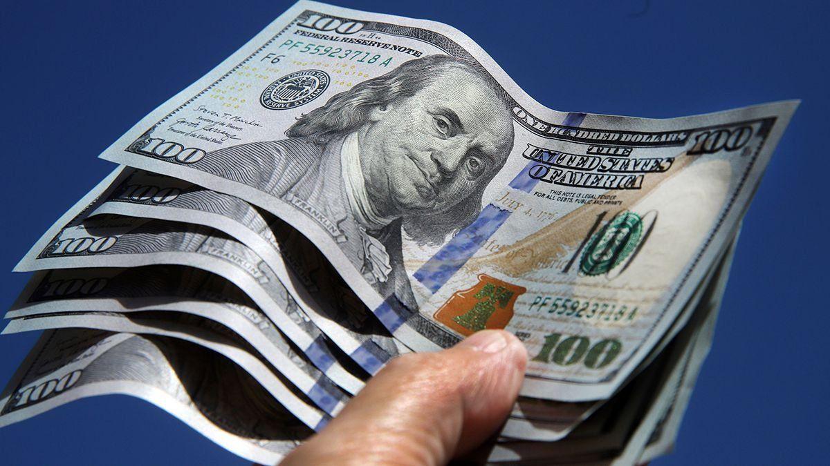 El dólar blue vuelve a subir tras tocar su menor valor en tres meses.