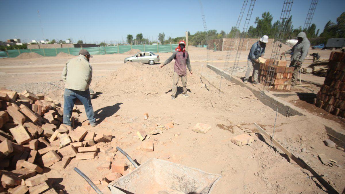 El costo de construcción por metro cuadrado en las grandes obras de departamentos se incrementó en octubre