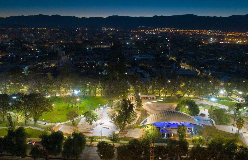 El Teatro Gabriela Mistral es el elegido para que los artistas muestren todo en el Mendorock. Esta vez todo el rock será de manera online y no presencial. Foto: Gentileza Prensa Municipalidad de Mendoza.