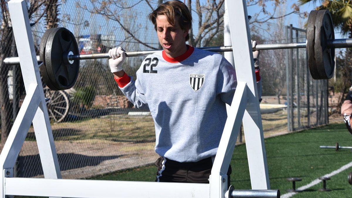 El arquero Tomás Giménez renovó hasta diciembre del 2023 (Foto: gentileza Prensa Gimnasia y Esgrima).