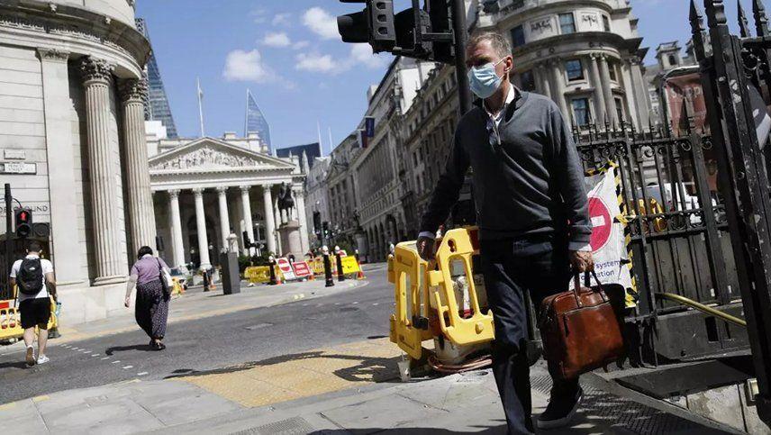 Boris Johnson comparó una nueva cuarentena con un arma nuclear