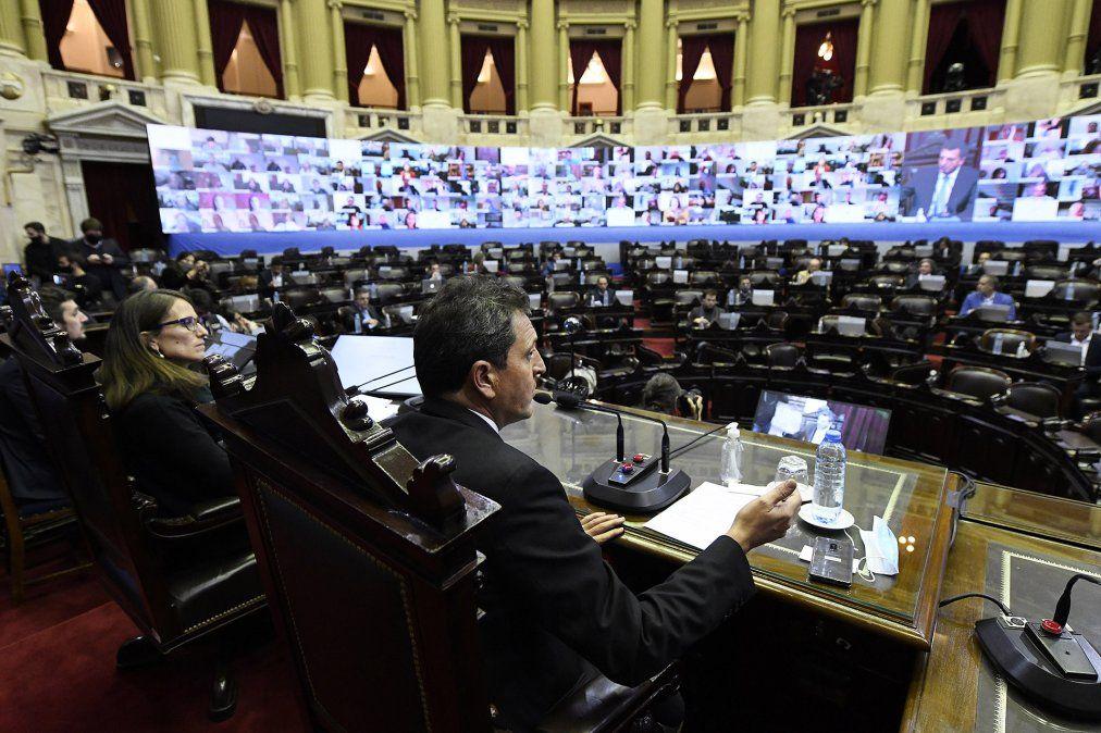 En la Cámara de Diputados el oficialismo intentará este miércoles avanzar con la firma del dictamen del proyecto que crea una fórmula de movilidad jubilatoria.
