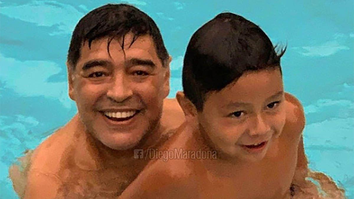 Diego Maradona y Dieguito Fernando.