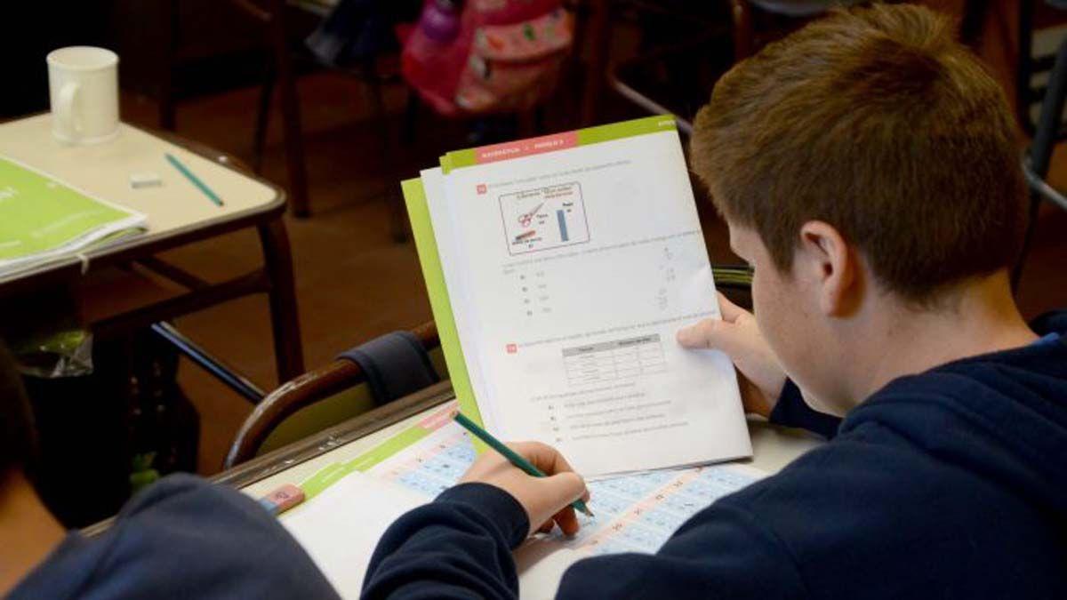 Alumnos de 7º tienen hasta el 16 de abril para rendir materias adeudadas