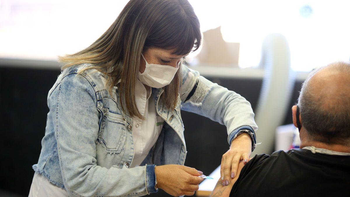 Más de 22 millones de personas recibieron la primera dosis de vacunas contra el Covid en Argentina.