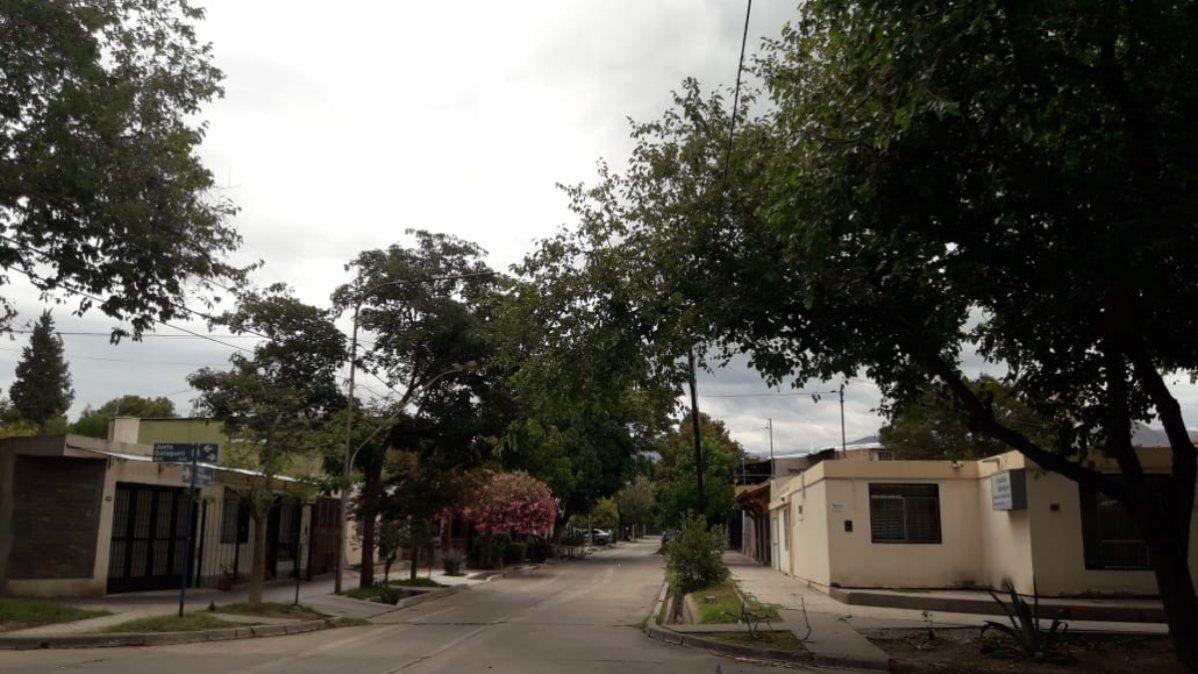 Lunes lluvioso y con anuncio de tormentas hacia la noche en Gran Mendoza.