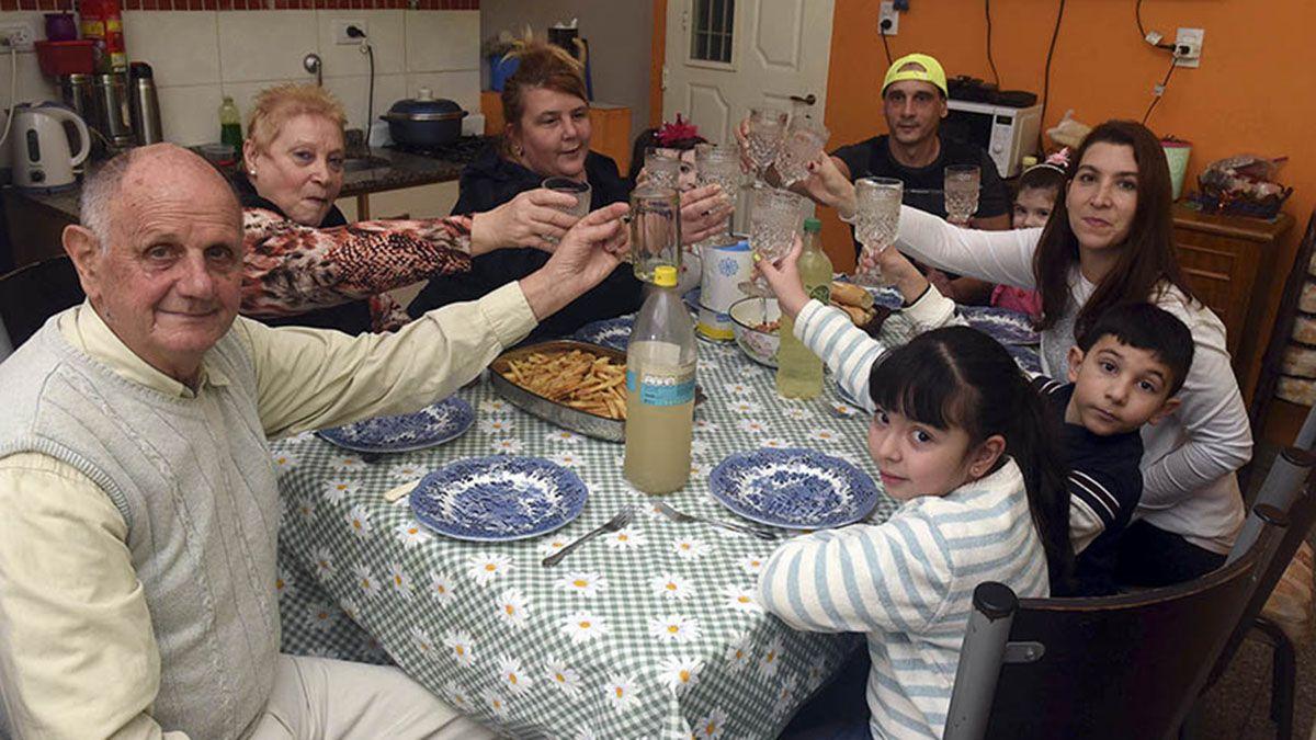 Qué pasará con las reuniones familiares y las reuniones sociales en Mendoza