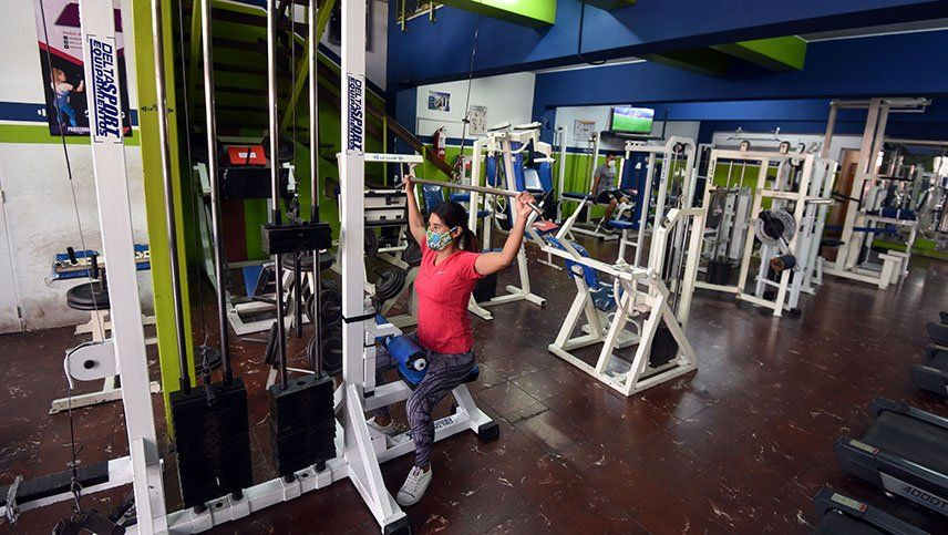 Los gimnasios privados y los de los clubes deben regirse por la terminación del DNI