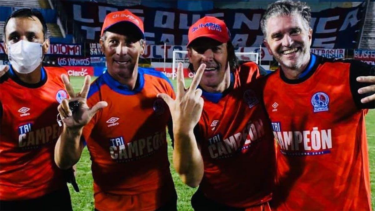 Gustavo Reggi salió tricampeón en Honduras y se lo dedicó a sus hijos