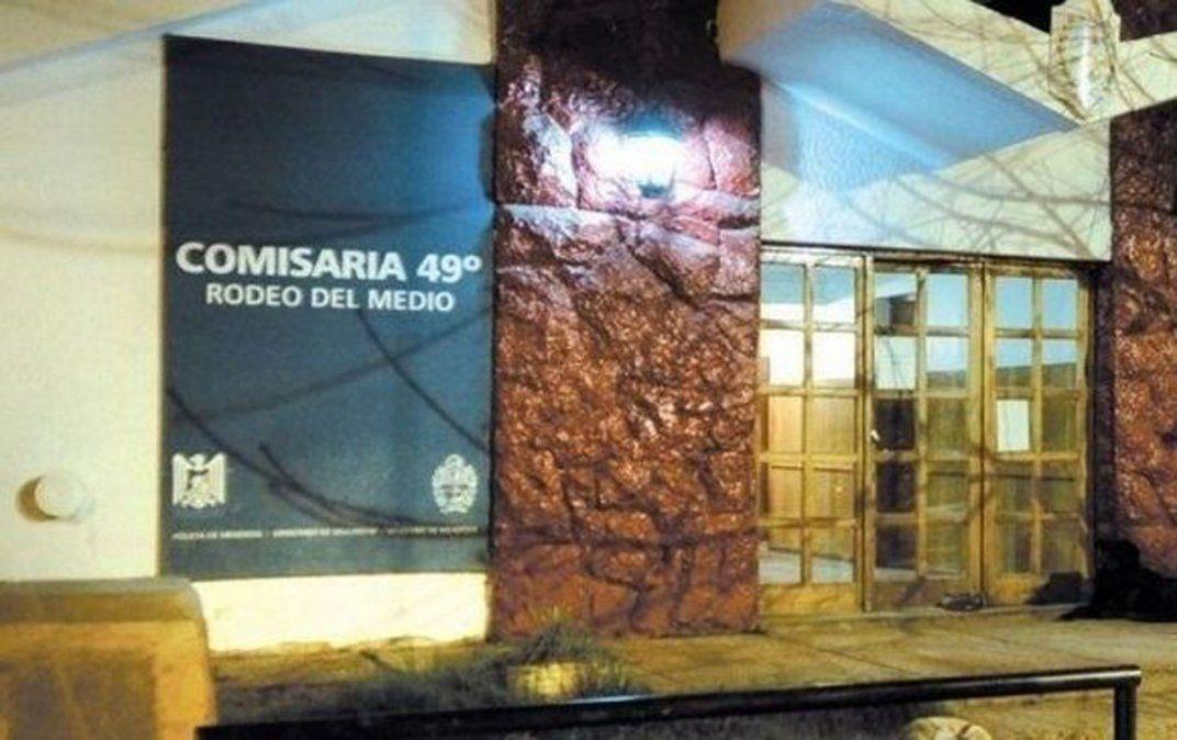 La Comisaría de Rodeo del Medio tuvo jurisdicción en el asalto.