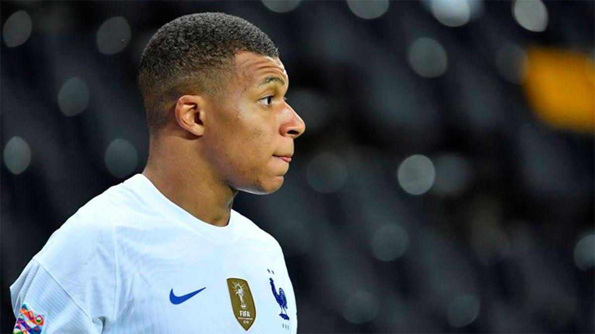 El Director Deportitvo de PSG ataca a la Federación Francesa por el positivo de Mbappé.