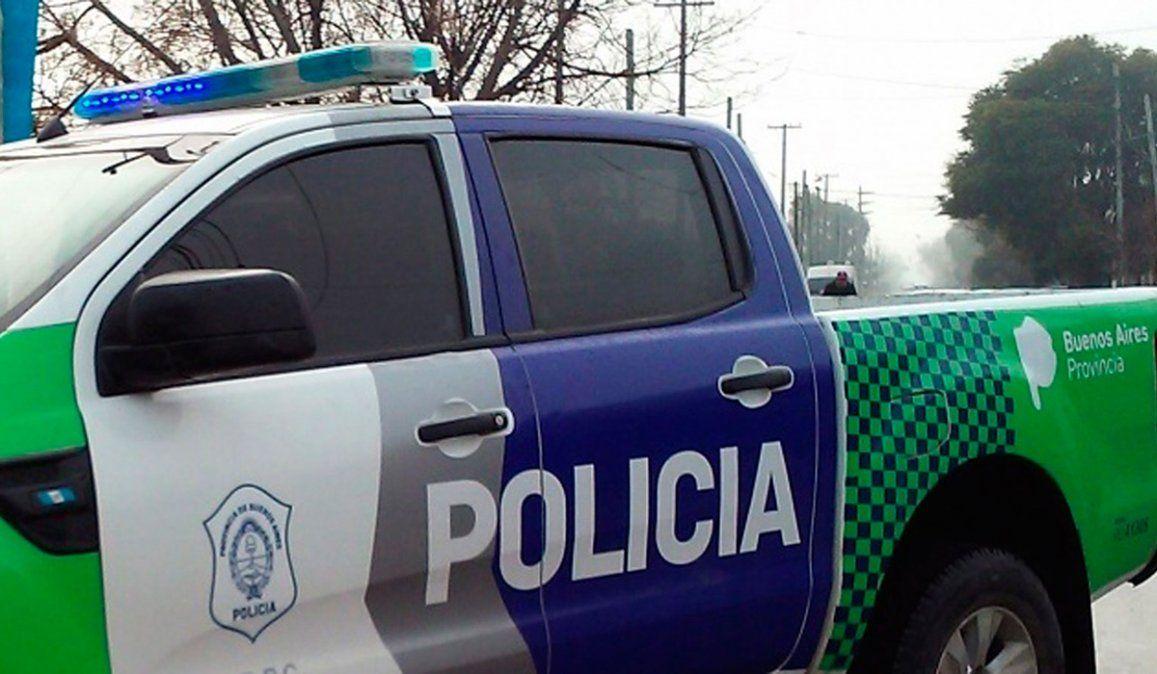 La Policóa Bonaerense busca al joven que golpeó y le quemó la cara con una plancha a su novia en Ingeniero Budge.