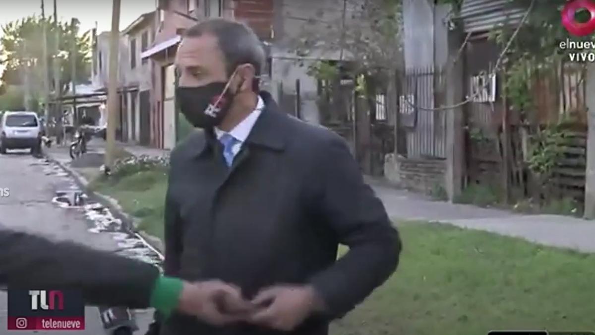 Le robaron el celular a un periodista mientras esperaba salir al aire