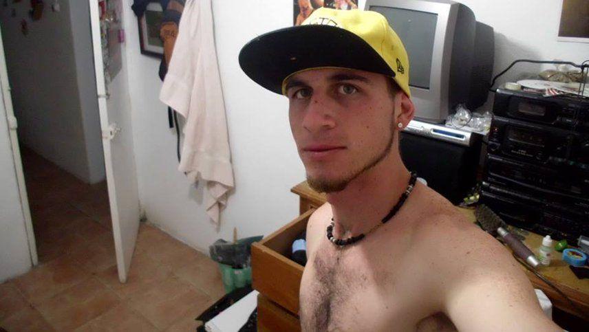 El rapero venezolano que vende alfajores en el micro