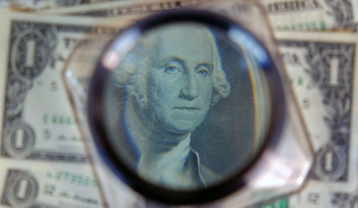 Dólar hoy: el dólar blue cayó $26 en una semana