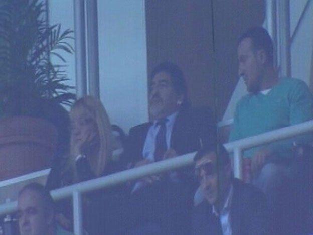 Diego Maradona, espectador de lujo en el derby español