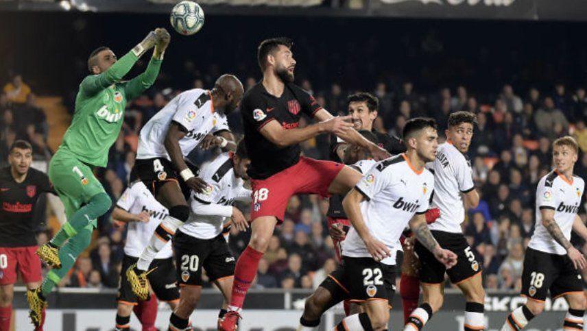 Atlético de Madrid rescató un empate en su visita a Valencia