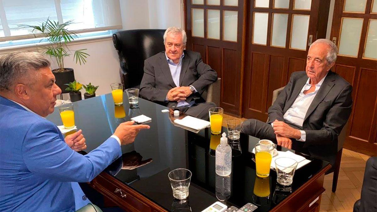 Cumbre en AFA: Tapia se reunió con Ameal y DOnofrio