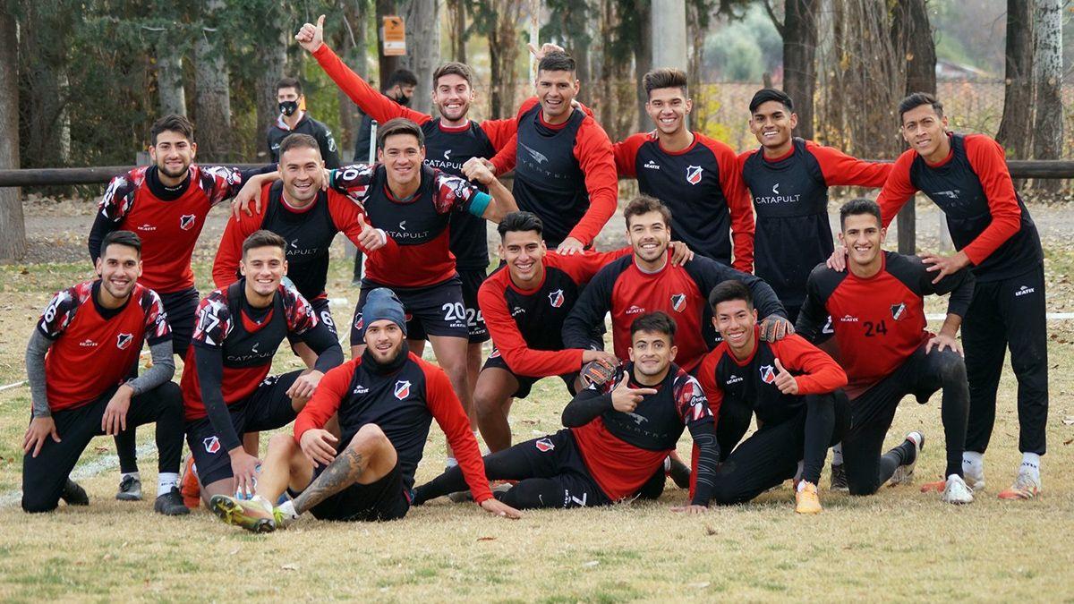 El plantel del Deportivo Maipú está feliz por la vuelta al ruedo en la Primera Nacional.