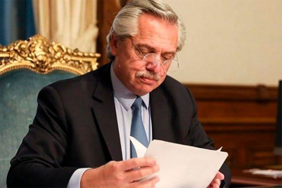 Fernández felicitó a Putin por la vacuna contra el Covid y pidió acceso equitativo