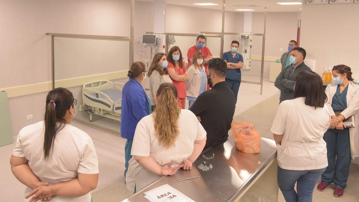 El Hospital Central sumó 13 nuevas camas UTI. Estuvo la ministra Ana María Nadal.