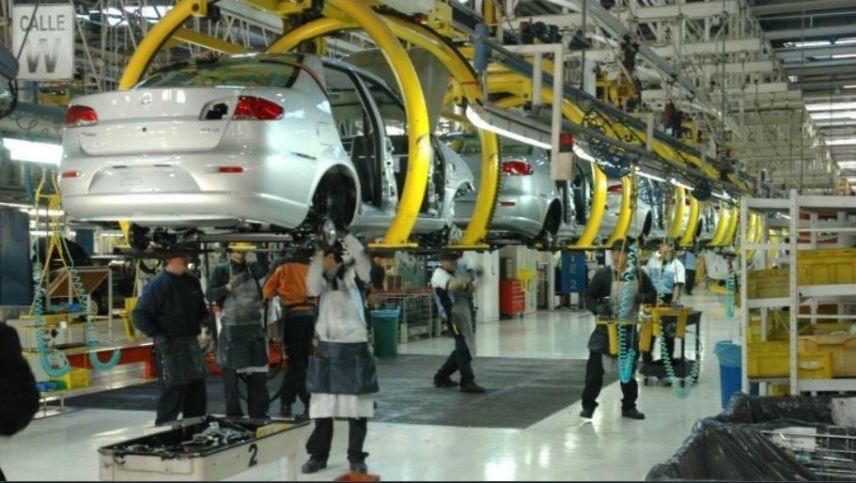 Fiat suspendió a 2.000 trabajadores