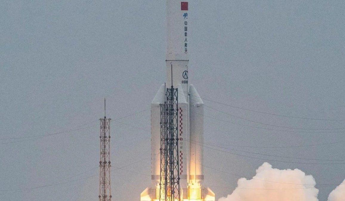 Dónde cayó el cohete chino que estaba fuera de control. Al oeste de Maldivas