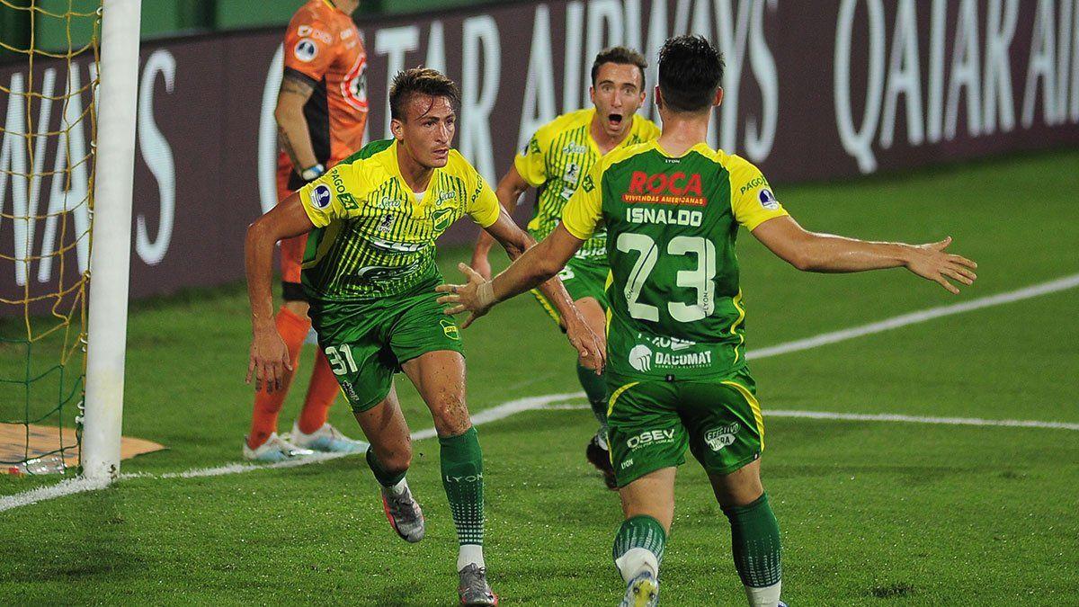 Defensa clasificó para la final de la Copa Sudamericana al golear a Coquimbo Unido.