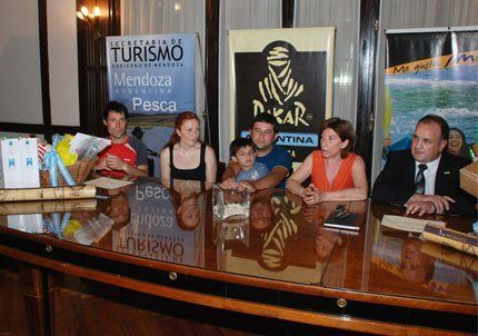 Agasajaron a los primeros turistas del 2010