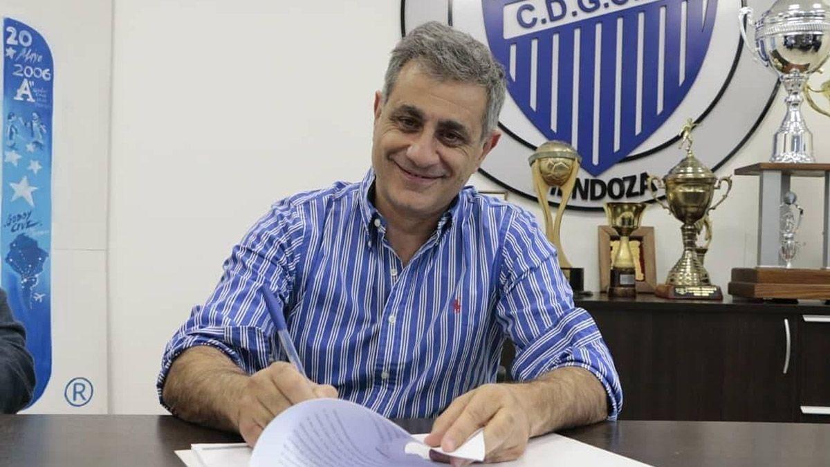 Mansur espera la respuesta del Gallego Méndez