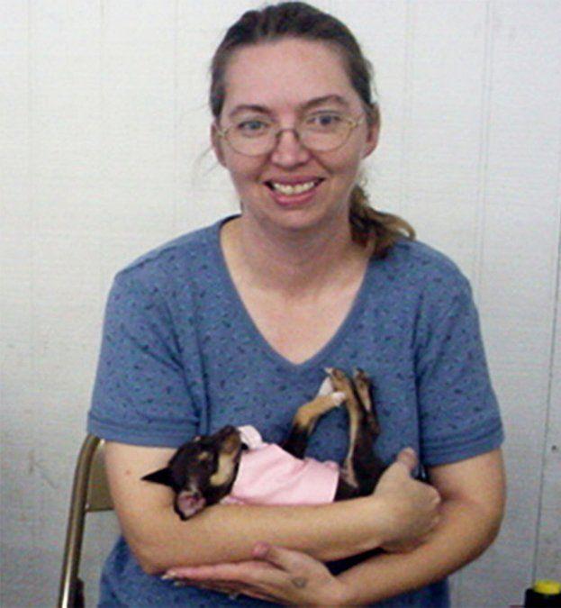 El cruel asesinato de Bobbie Jo Stinnett: la estranguló para sacar al bebé de su útero