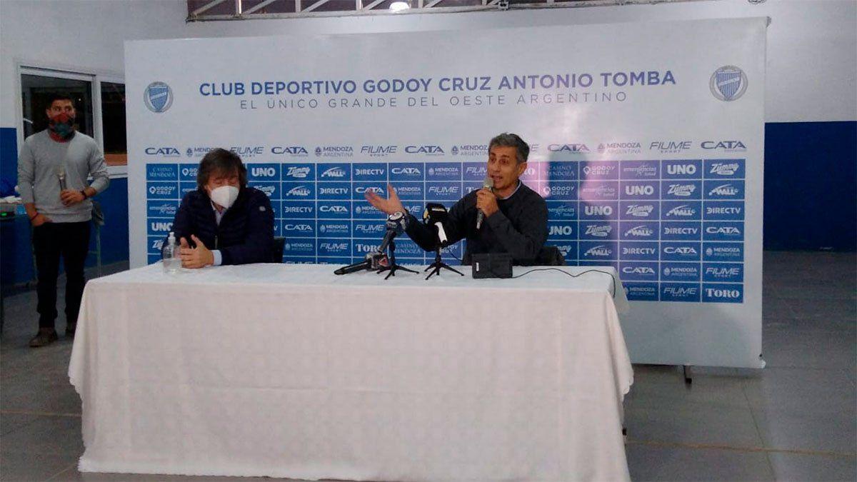 José Mansur (derecha) y Alejandro Chiappini en conferencia de prensa. (Gentileza Sergio Robles/Nihuil).