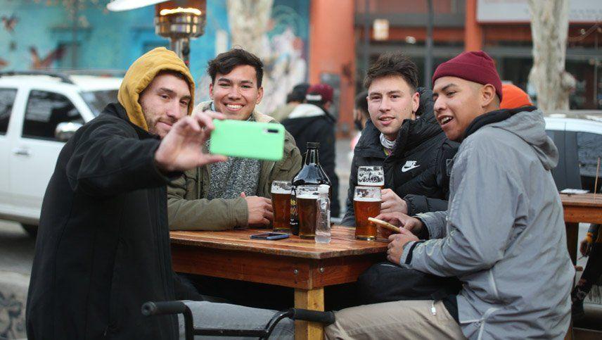 Ulpiano Suarez endureció la restricción para los bares