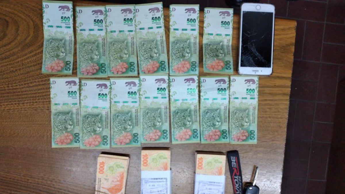 El dinero que le sustrajeron a la víctima de la estafa por Facebook.