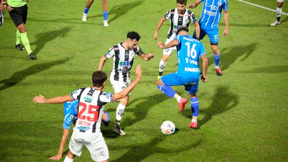 Godoy Cruz volvió a ganar en el Feliciano Gambarte
