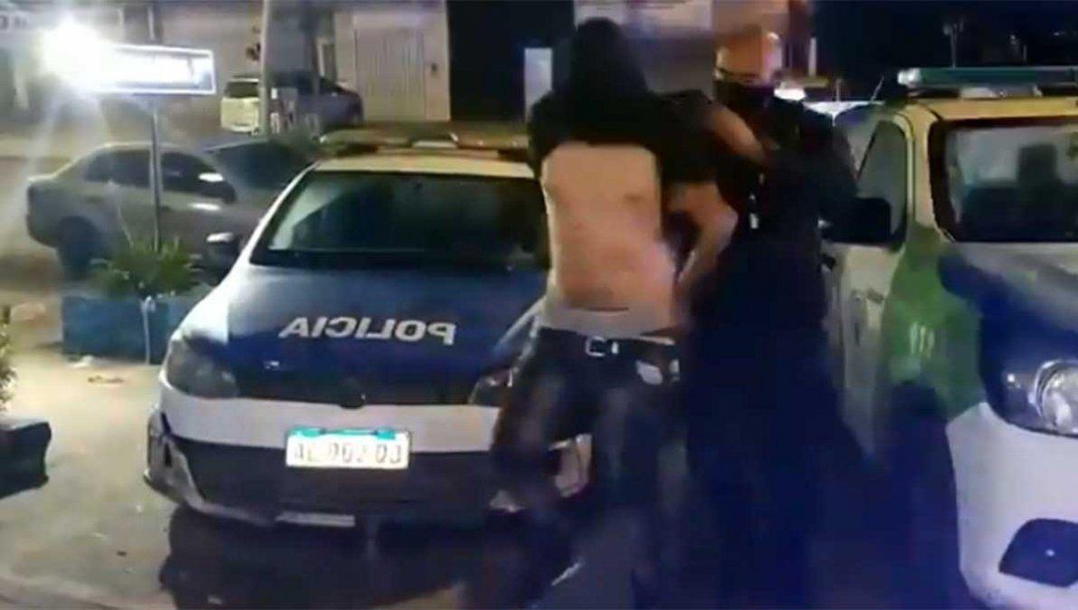 Tres delincuentes fueron detenidos tras una persecución luego de herir de un balazo a un joven de 28 años cuando entraron a robar a su casa de Florencio Varela.