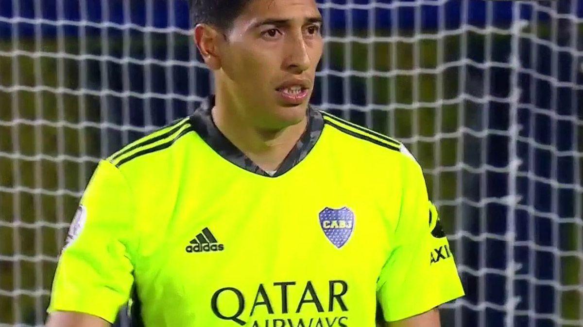 Esteban Andrada atajó un penal y se ganó la ovación