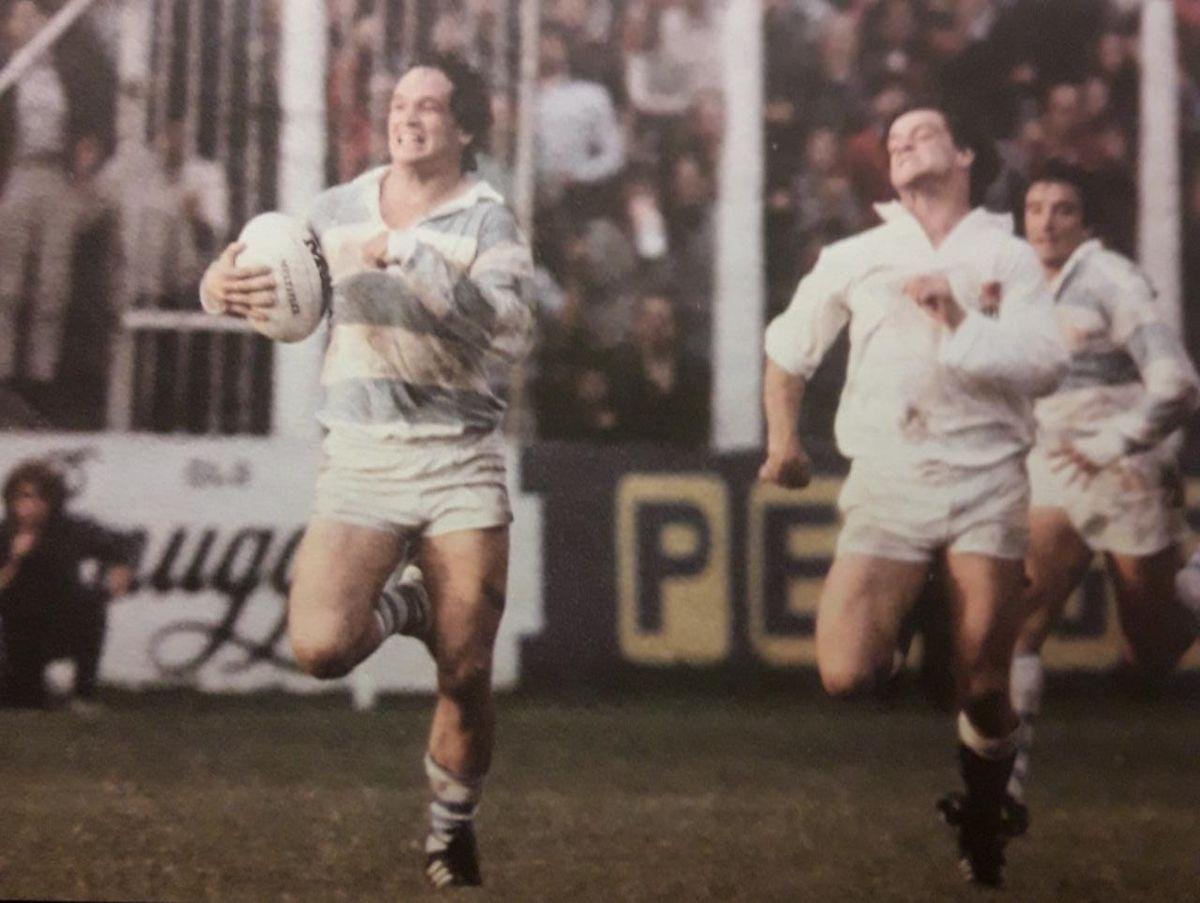 Inolvidable corrida de Marcelo Campo ante Inglaterra, en Ferro, en 1981.