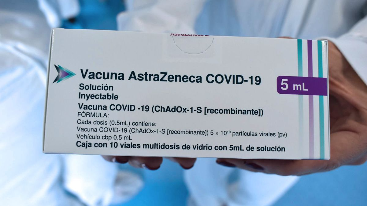 Vacunas AstraZeneca son las que habrían comercializado ilegalmente un médico y el dueño de tres geriátricos en San Rafael.