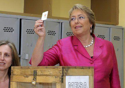 Los candidatos chilenos a presidente obviaron la veda en el día D