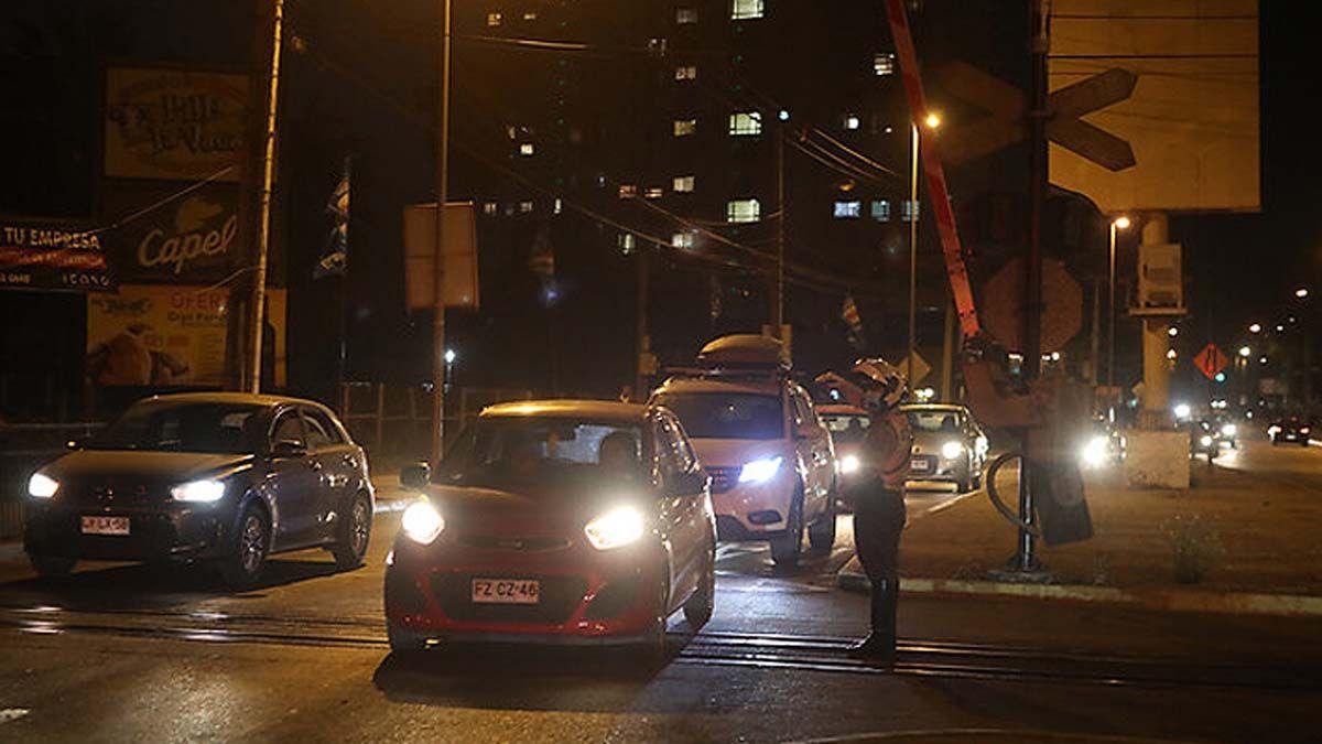 Hubo caos vehicular en la noche del sábado. Foto El Mercurio.